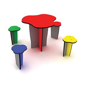 Bänke, Tische und Hocker