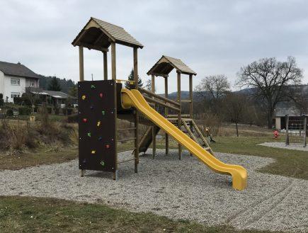 Spielturm Klettergarten